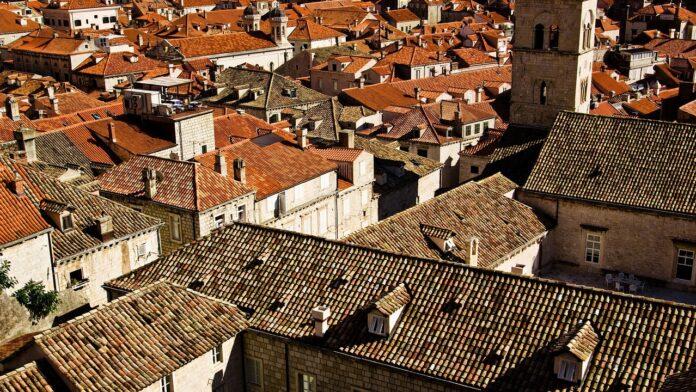 Masz płyty eternitowe na dachu? Pamiętaj o ich utylizacji!